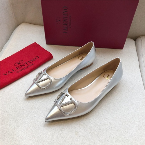 Valentino Flat Shoes For Women #814350