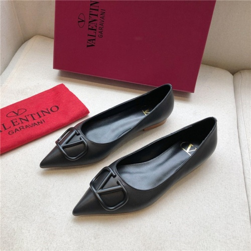 Valentino Flat Shoes For Women #814357