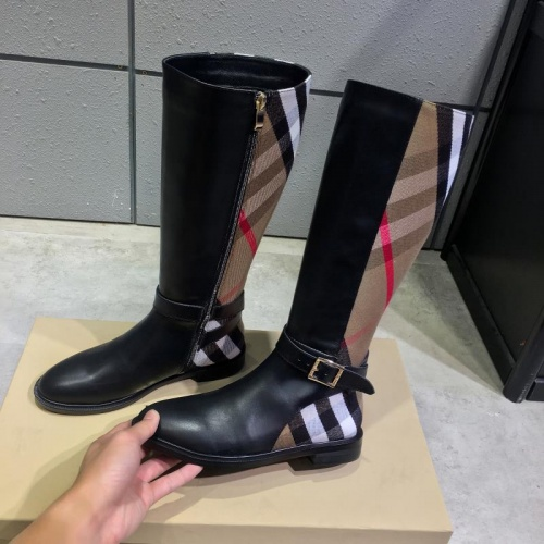 Burberry Boots For Women #814362
