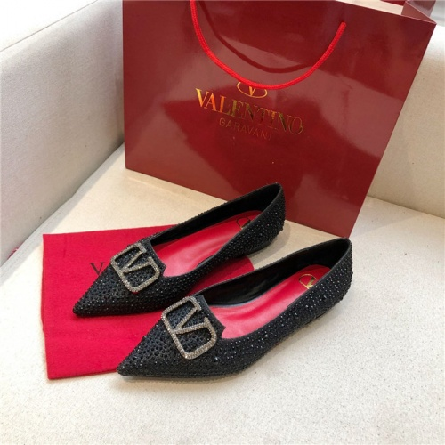 Valentino Flat Shoes For Women #814395