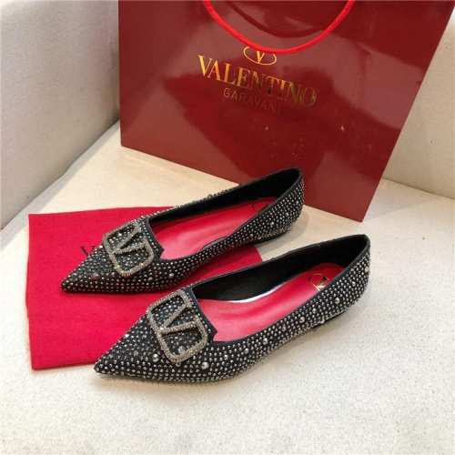 Valentino Flat Shoes For Women #814396