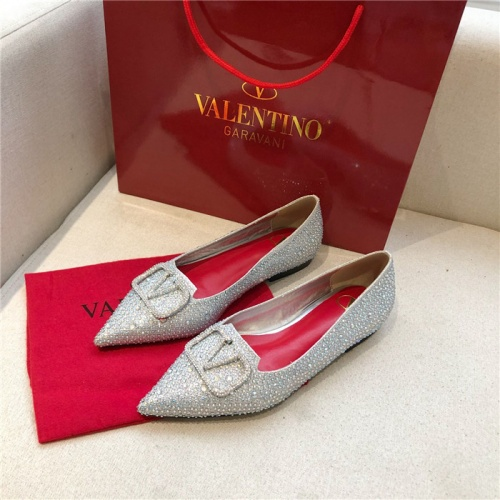 Valentino Flat Shoes For Women #814397