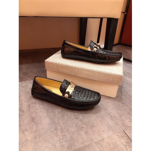 Versace Casual Shoes For Men #814512