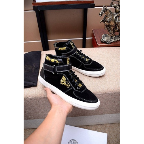 Versace High Tops Shoes For Men #814571