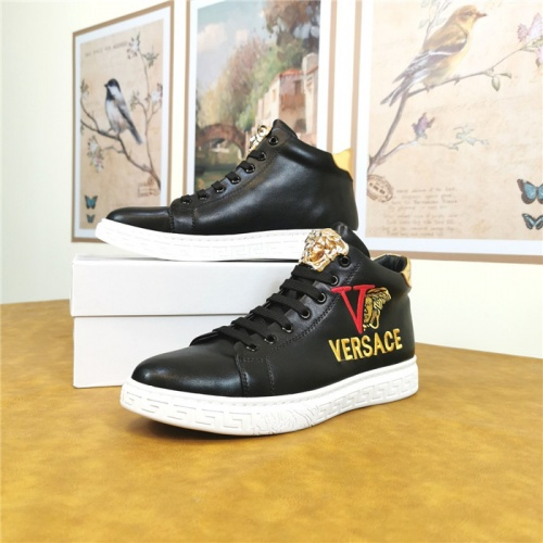 Versace Casual Shoes For Men #814607