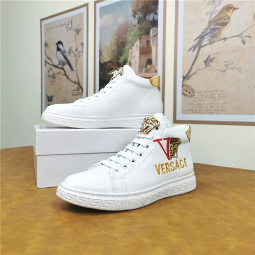 Versace Casual Shoes For Men #814608