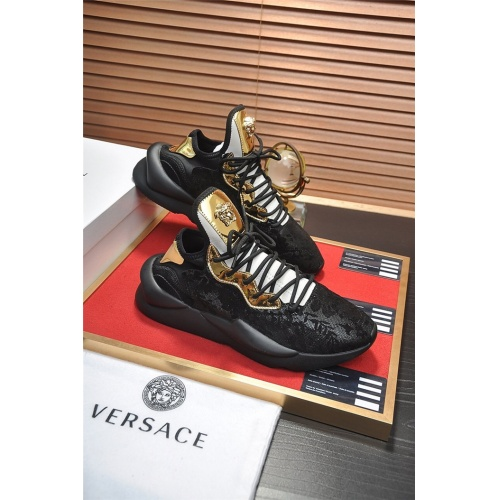 Versace Casual Shoes For Men #814644