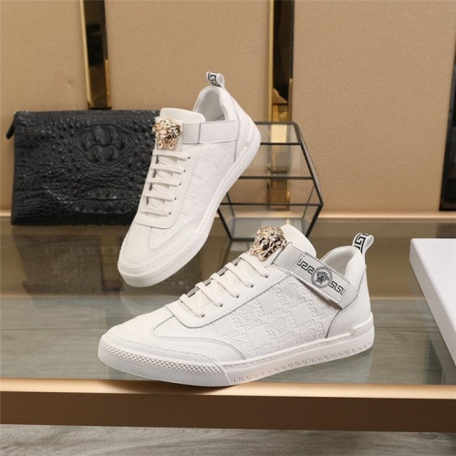 Versace Casual Shoes For Men #814672 $82.00 USD, Wholesale Replica Versace Casual Shoes