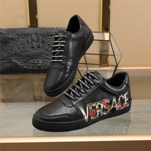 Versace Casual Shoes For Men #814673