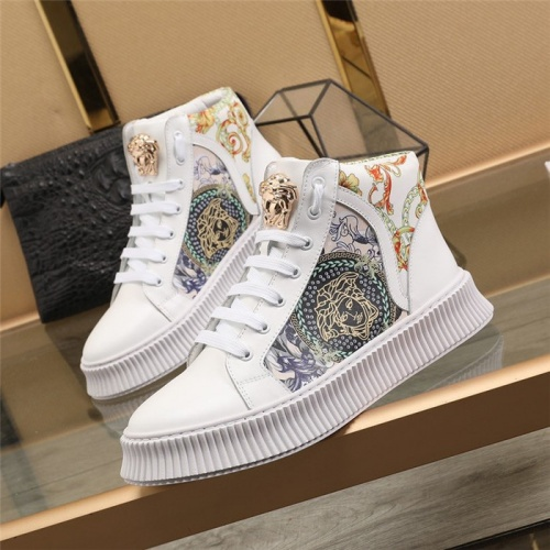 Versace High Tops Shoes For Men #814681