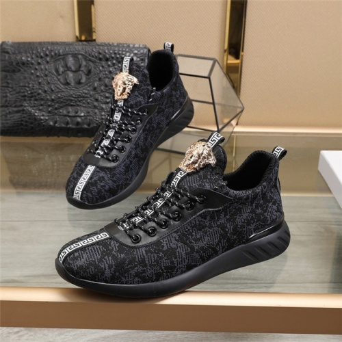 Versace Casual Shoes For Men #814690