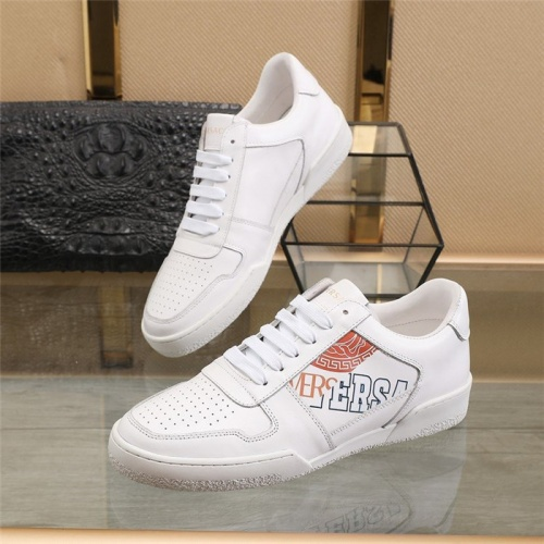 Versace Casual Shoes For Men #814694