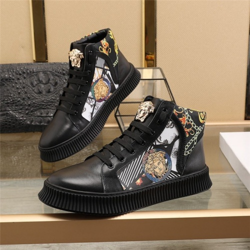 Versace High Tops Shoes For Men #814699