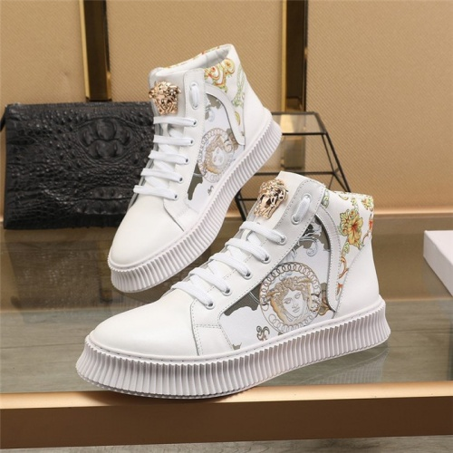 Versace High Tops Shoes For Men #814700