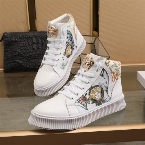 Versace High Tops Shoes For Men #814701