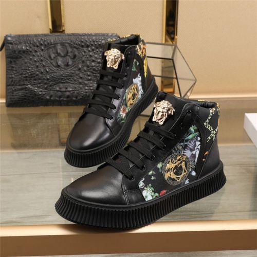 Versace High Tops Shoes For Men #814702