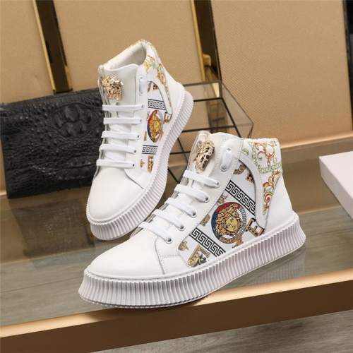 Versace High Tops Shoes For Men #814703