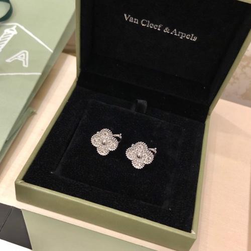 Van Cleef & Arpels Earrings #814787 $36.00 USD, Wholesale Replica Van Cleef & Arpels Earrings