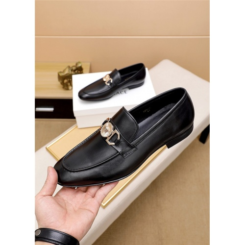 Versace Leather Shoes For Men #814917
