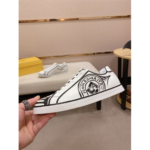 Fendi Casual Shoes For Men #815301
