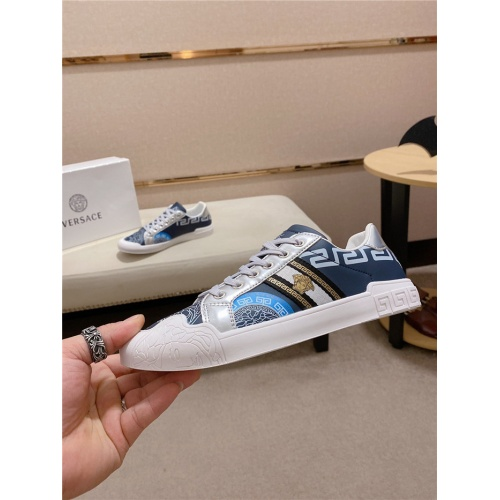 Versace Casual Shoes For Men #815308