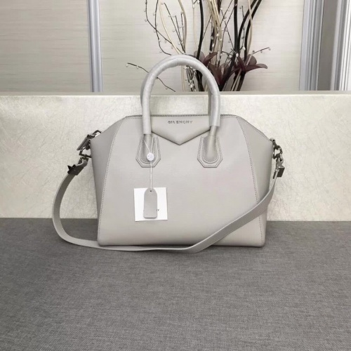 Givenchy AAA Quality Messenger Bags #815548
