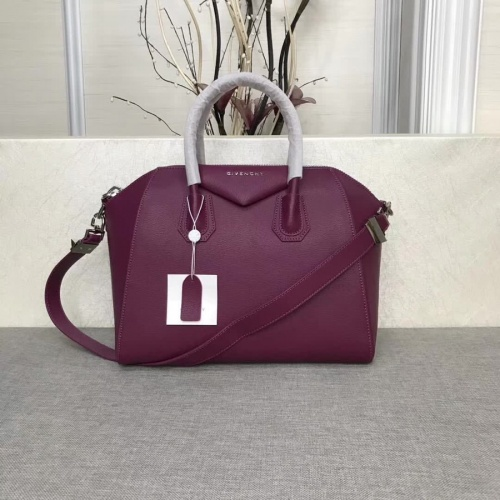 Givenchy AAA Quality Messenger Bags #815549