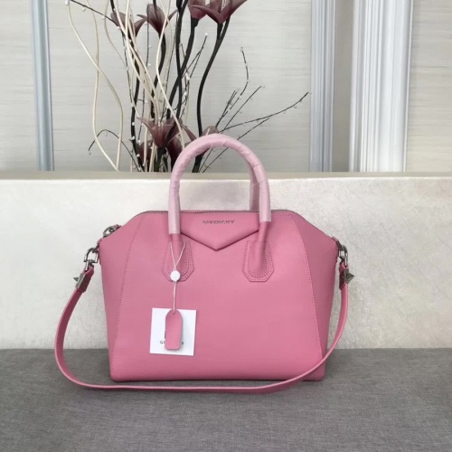 Givenchy AAA Quality Messenger Bags #815552