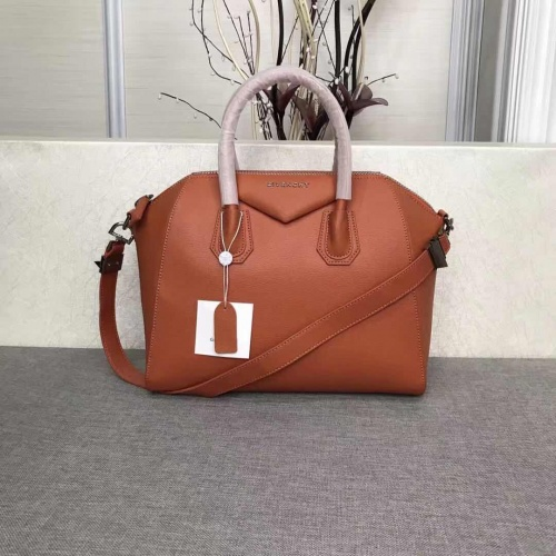 Givenchy AAA Quality Messenger Bags #815556