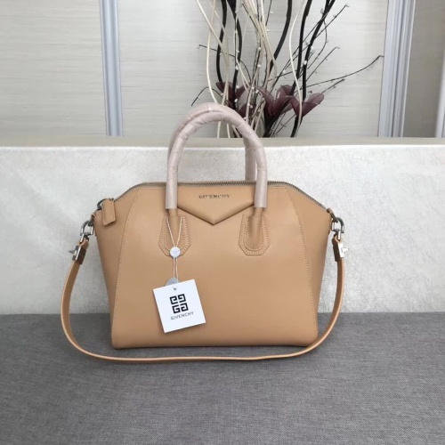 Givenchy AAA Quality Messenger Bags #815563