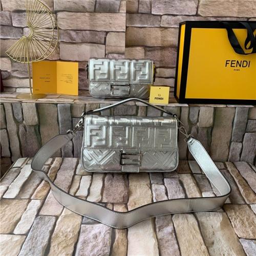 Fendi AAA Quality Messenger Bags For Women #815612