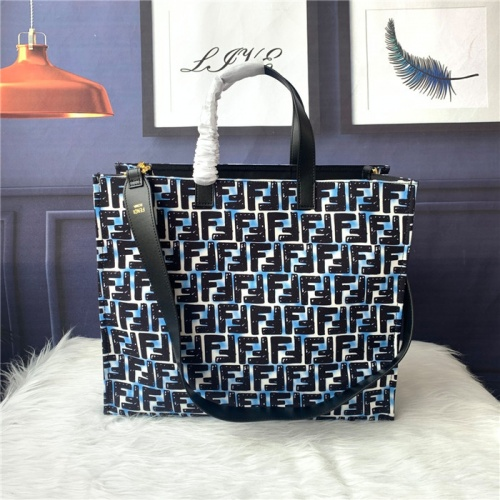 Fendi AAA Quality Tote-Handbags For Women #815618