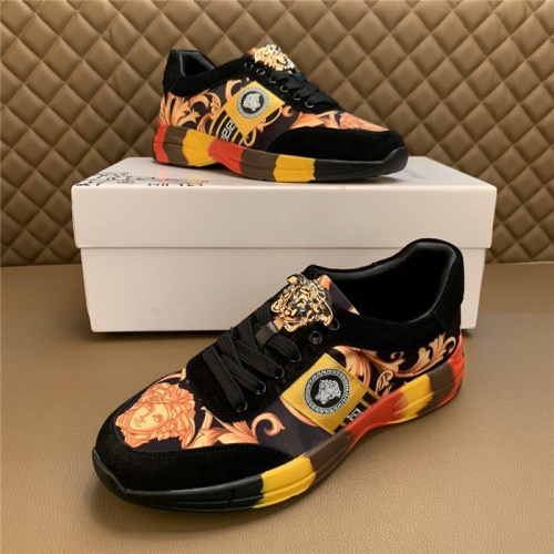 Versace Casual Shoes For Men #815680