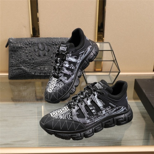 Versace Casual Shoes For Men #815735