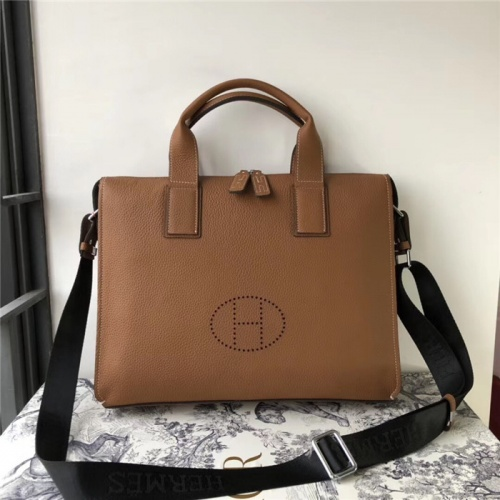 Hermes AAA Man Handbags #816126