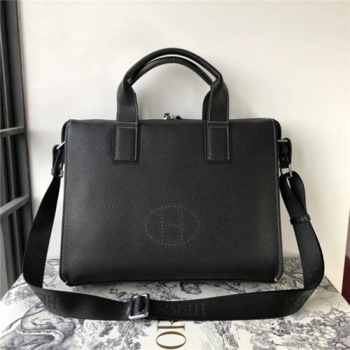 Hermes AAA Man Handbags #816128