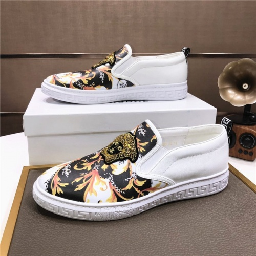 Versace Casual Shoes For Men #816725