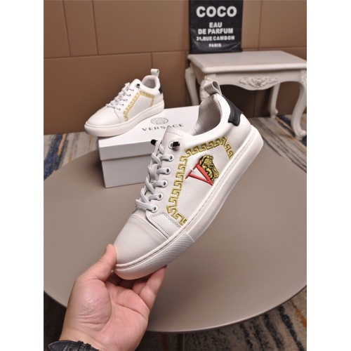Versace Casual Shoes For Men #816763