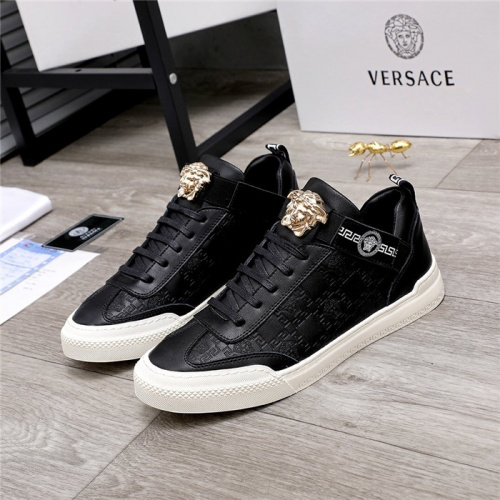 Versace Casual Shoes For Men #817303