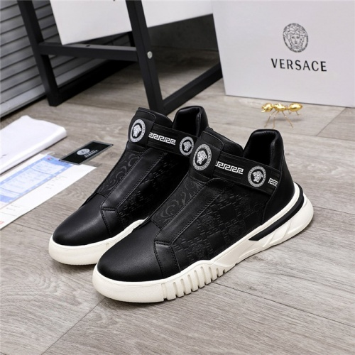 Versace Casual Shoes For Men #817351