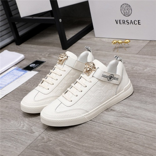 Versace Casual Shoes For Men #817354