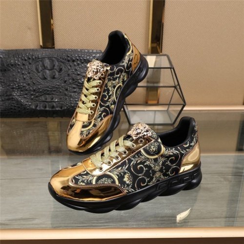 Versace Casual Shoes For Men #817362
