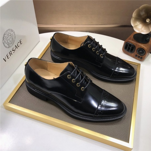 Versace Leather Shoes For Men #817564