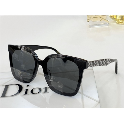 Christian Dior AAA Quality Sunglasses #817788