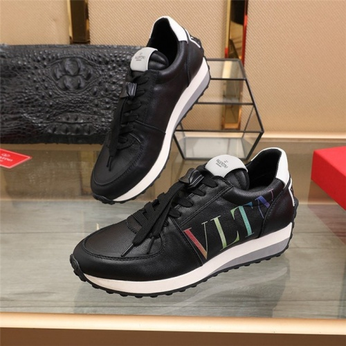 Valentino Casual Shoes For Men #817937