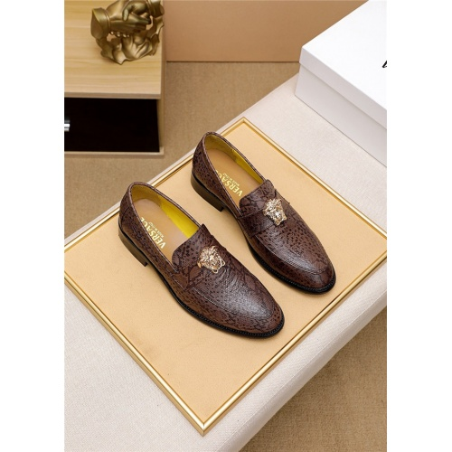 Versace Leather Shoes For Men #818200