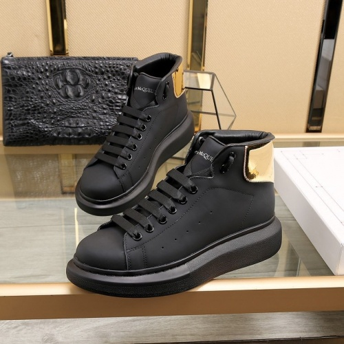 Alexander McQueen High Tops Shoes For Men #818276