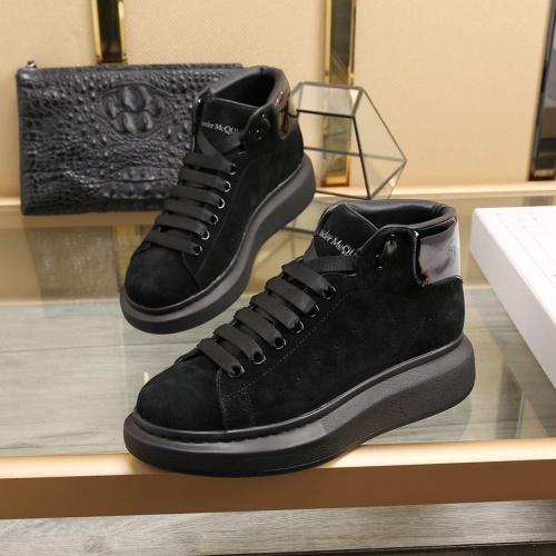 Alexander McQueen High Tops Shoes For Men #818278