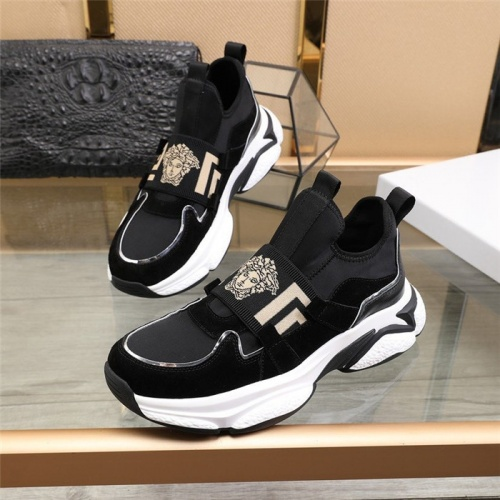 Versace Casual Shoes For Men #818622