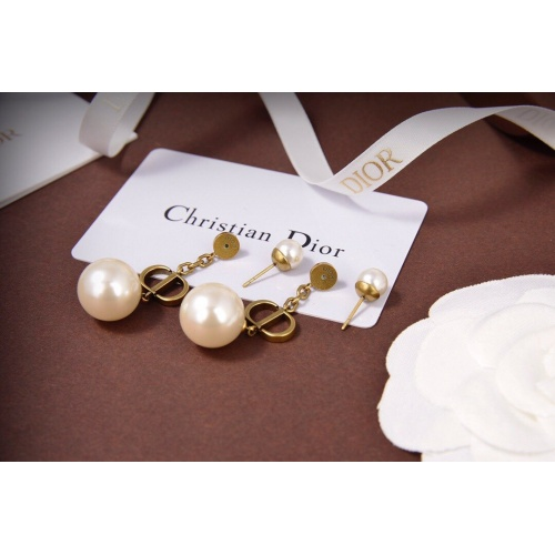 Christian Dior Earrings #818639